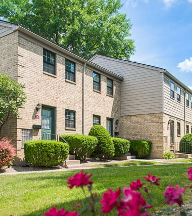 Chartwell Estates Rochester, NY Townhomes: Residential Property by Mark IV Enterprises: Rochester, NY